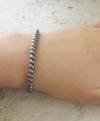 Bracelet perlé hématite grise